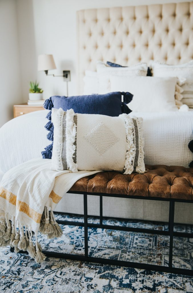 bedroom, accessories, pillows, blue and white